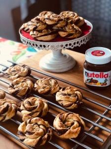 Rosas de hojaldre con Nutella