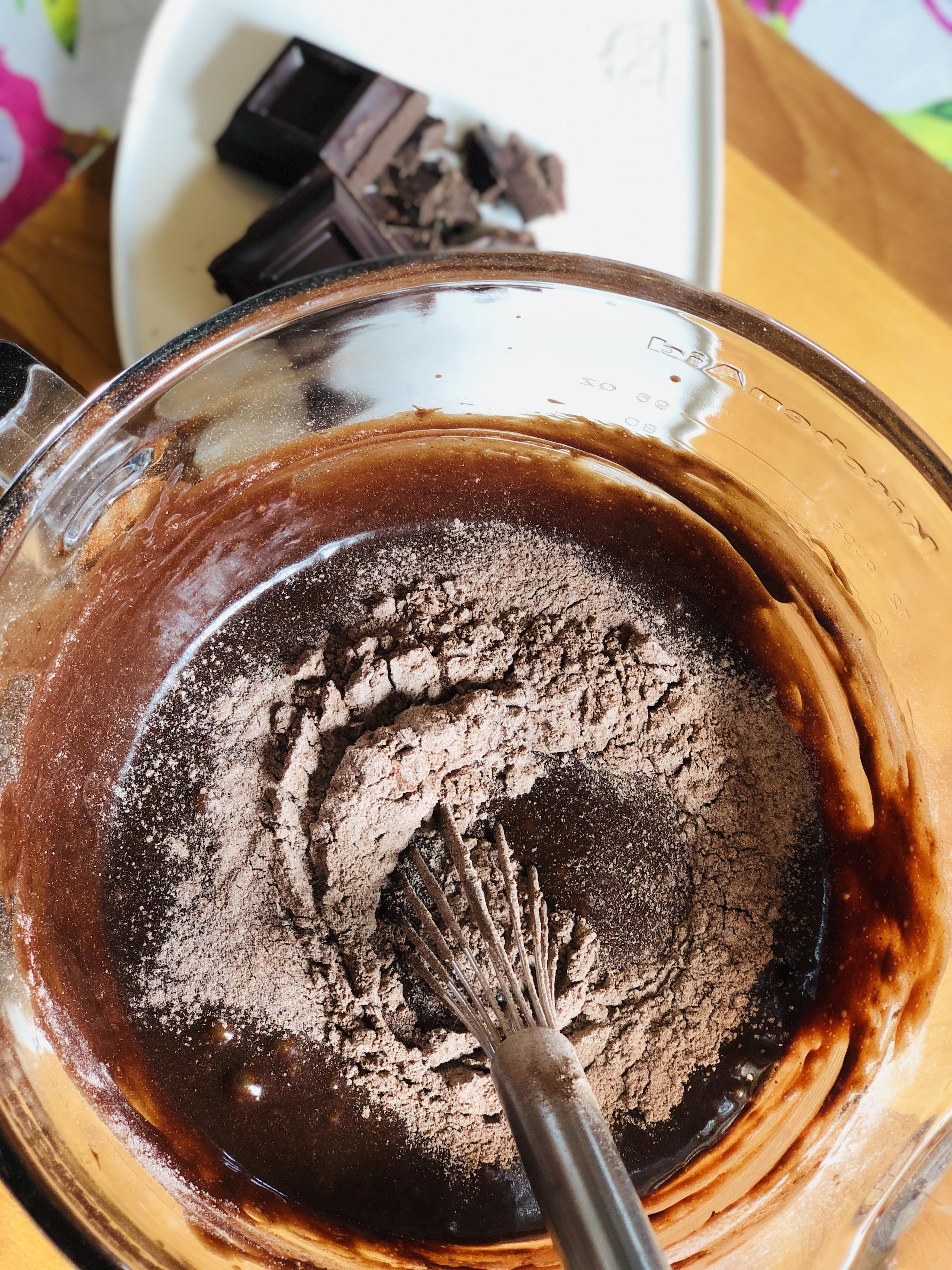Mezcla de ingredientes para el brownie